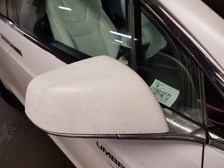 Tesla Model X Right side mirror folded out